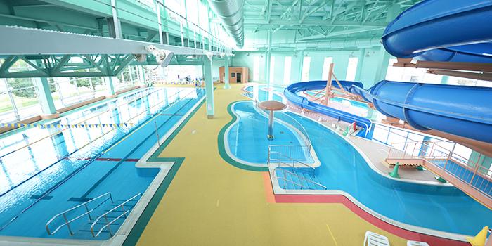 温水 プール